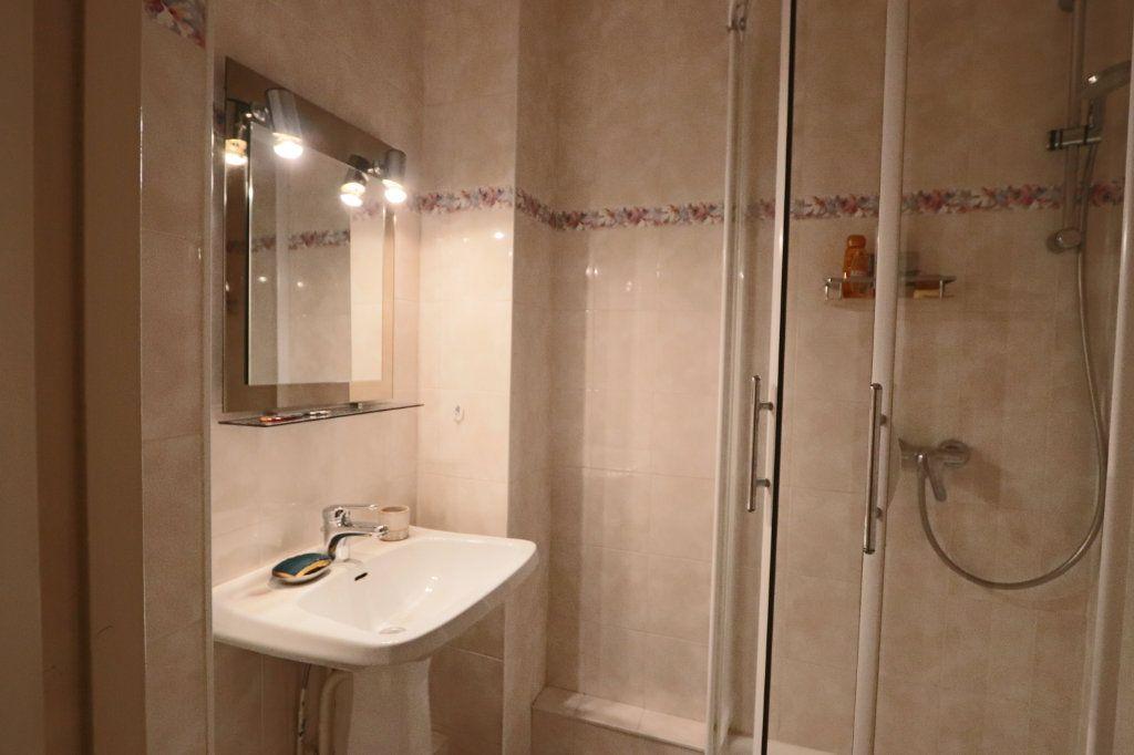Appartement à vendre 5 104m2 à Écully vignette-6