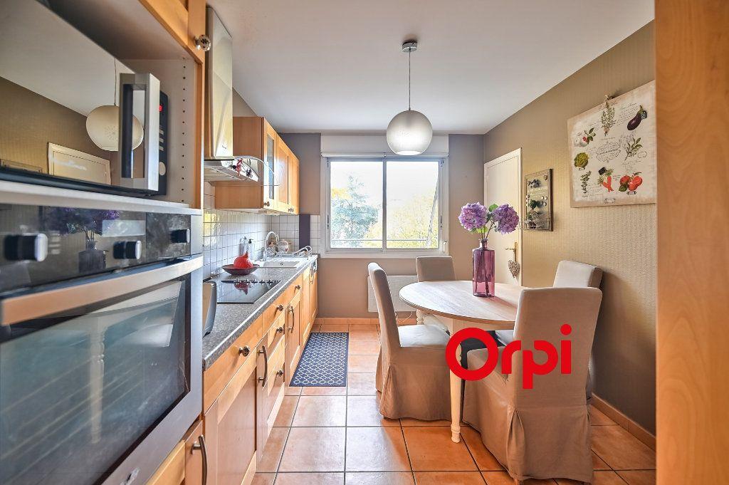 Appartement à vendre 5 109m2 à Tassin-la-Demi-Lune vignette-3