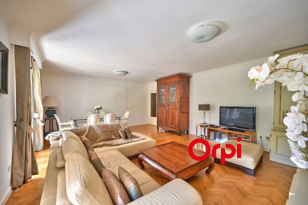 Appartement à vendre 5 109m2 à Tassin-la-Demi-Lune vignette-5
