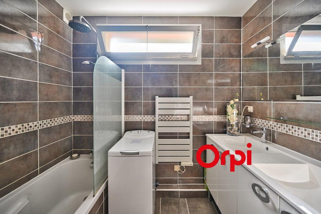 Appartement à vendre 5 109m2 à Tassin-la-Demi-Lune vignette-8