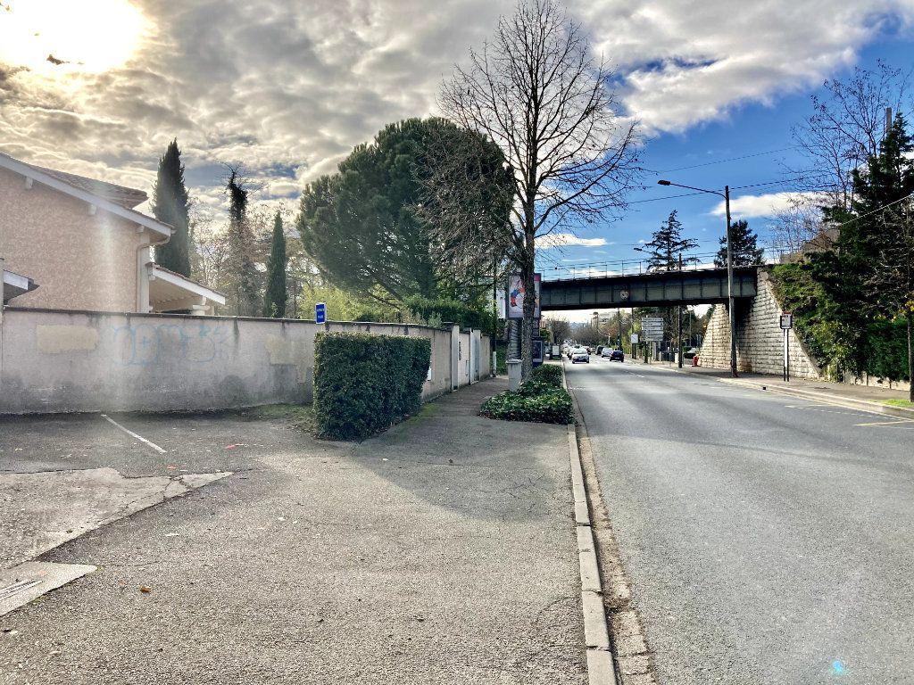 Stationnement à vendre 0 11m2 à Tassin-la-Demi-Lune vignette-1