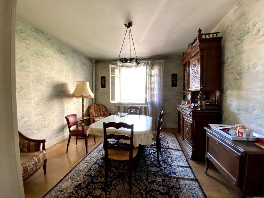 Appartement à vendre 4 101m2 à Tassin-la-Demi-Lune vignette-3