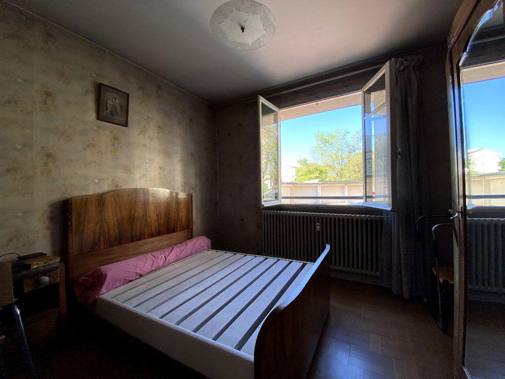 Appartement à vendre 4 101m2 à Tassin-la-Demi-Lune vignette-7