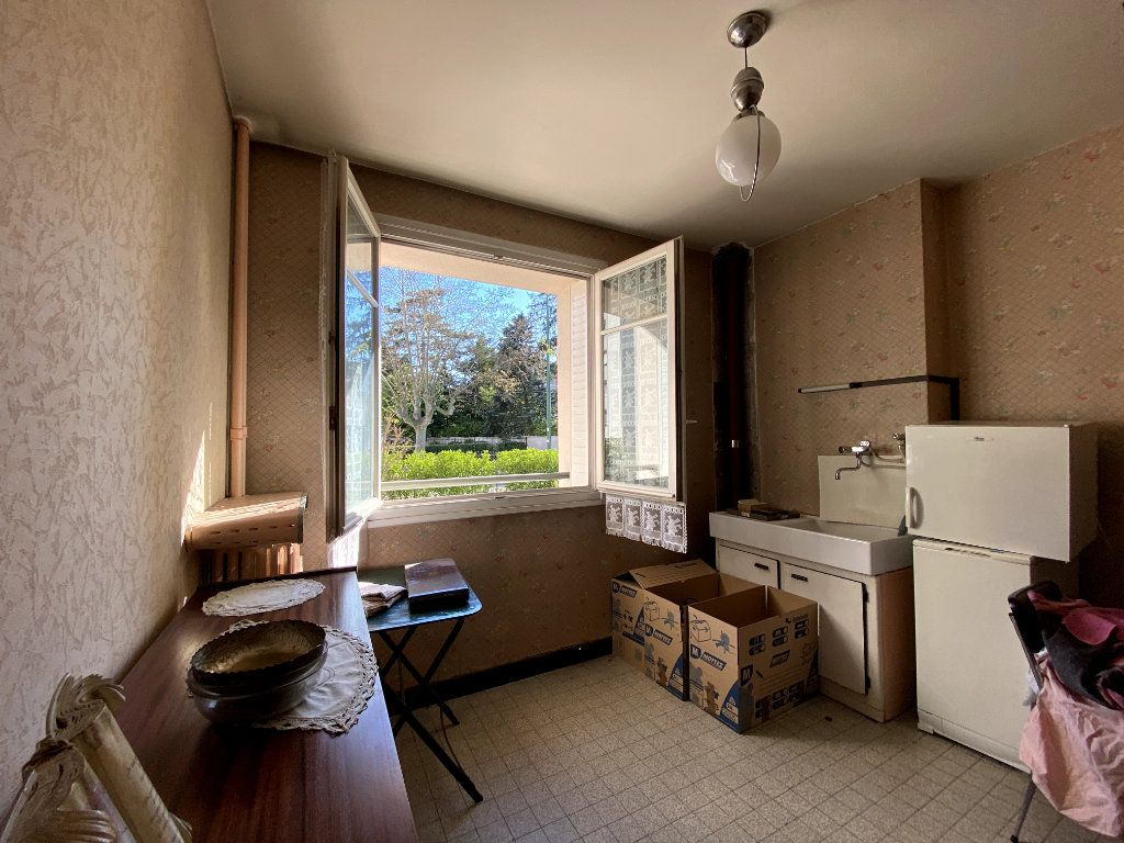 Appartement à vendre 4 101m2 à Tassin-la-Demi-Lune vignette-10