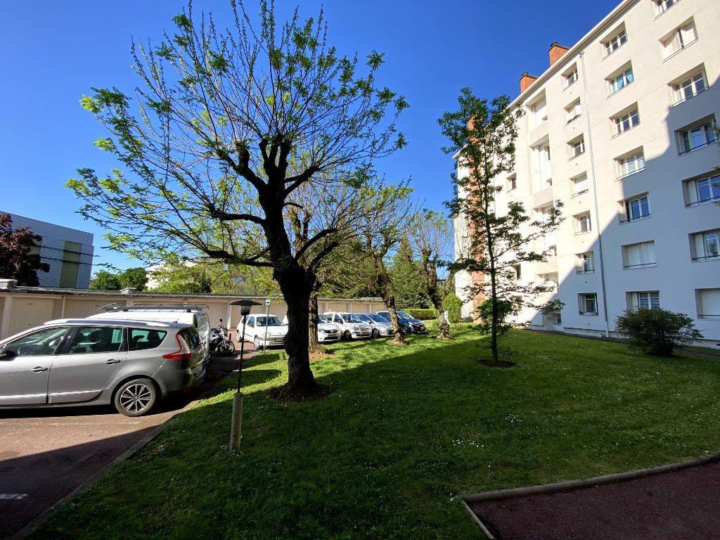 Appartement à vendre 4 101m2 à Tassin-la-Demi-Lune vignette-11
