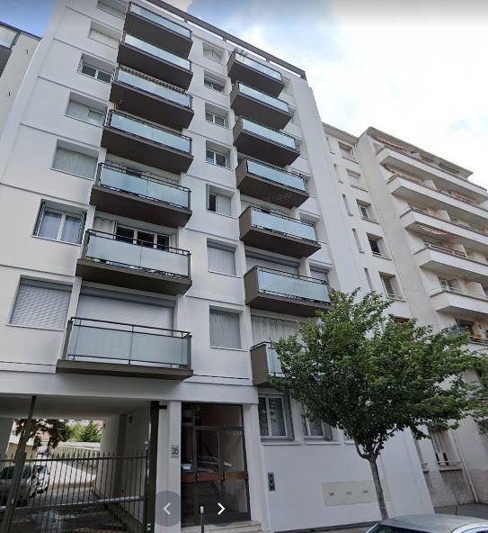 Appartement à vendre 1 30m2 à Lyon 8 vignette-1