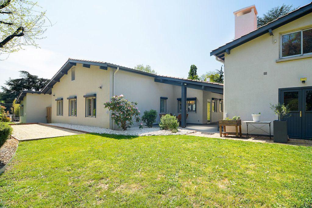 Maison à vendre 8 250m2 à Écully vignette-9