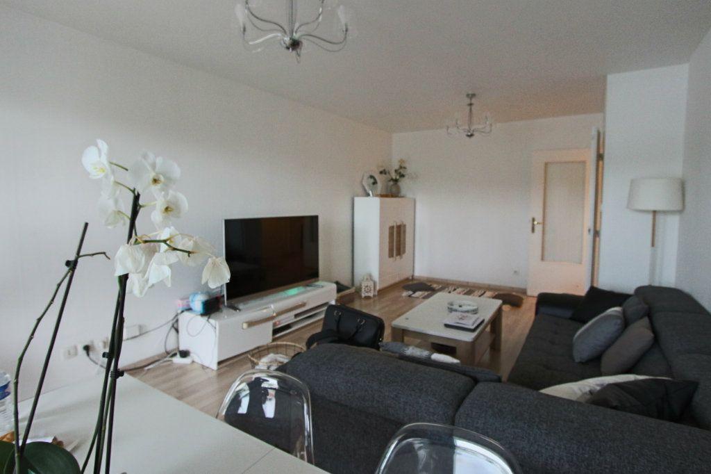 Appartement à vendre 3 73.4m2 à Lyon 4 vignette-2