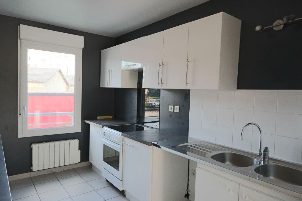 Appartement à vendre 3 66.35m2 à Tassin-la-Demi-Lune vignette-3
