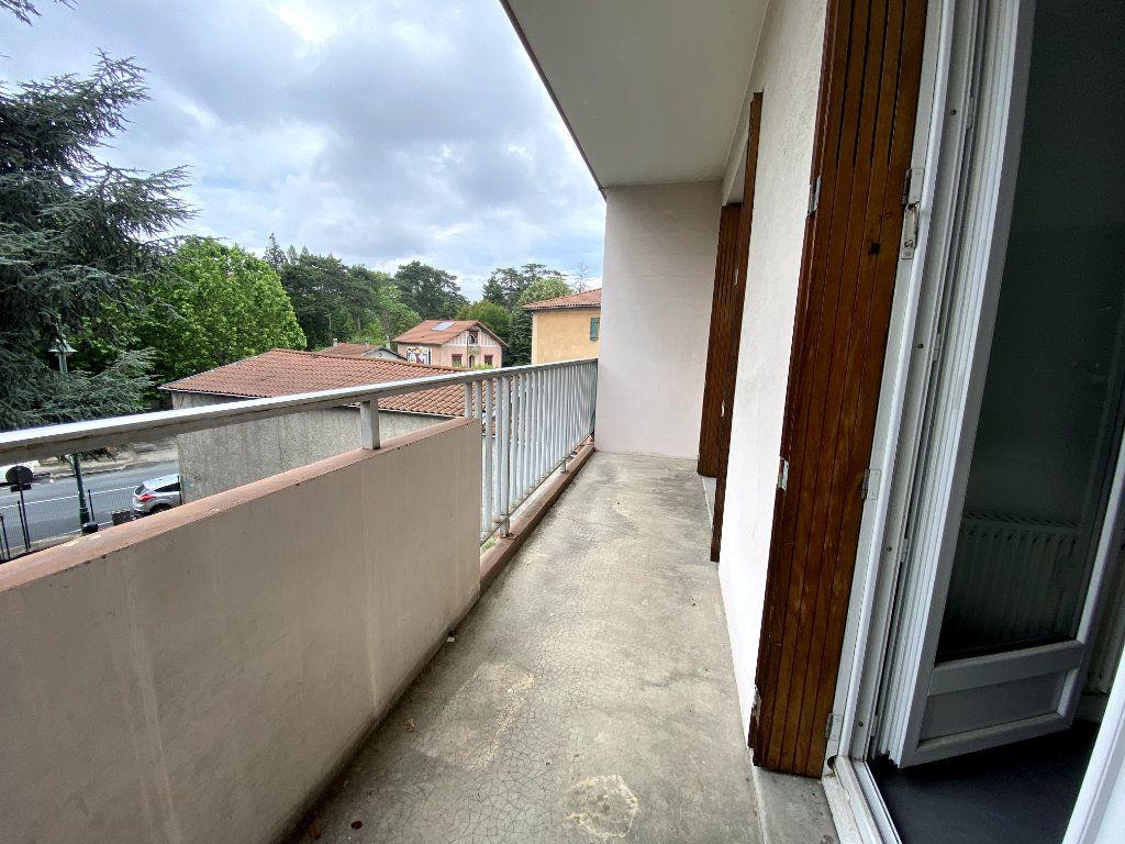 Appartement à louer 1 29m2 à Tassin-la-Demi-Lune vignette-3