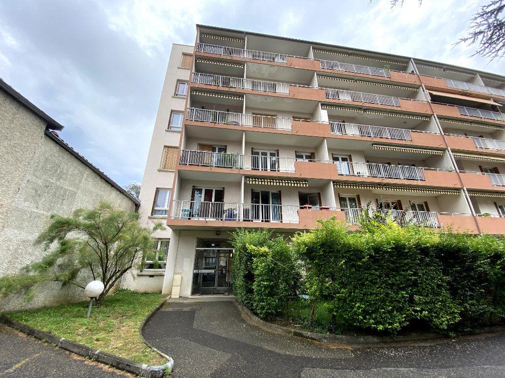 Appartement à louer 1 29m2 à Tassin-la-Demi-Lune vignette-6