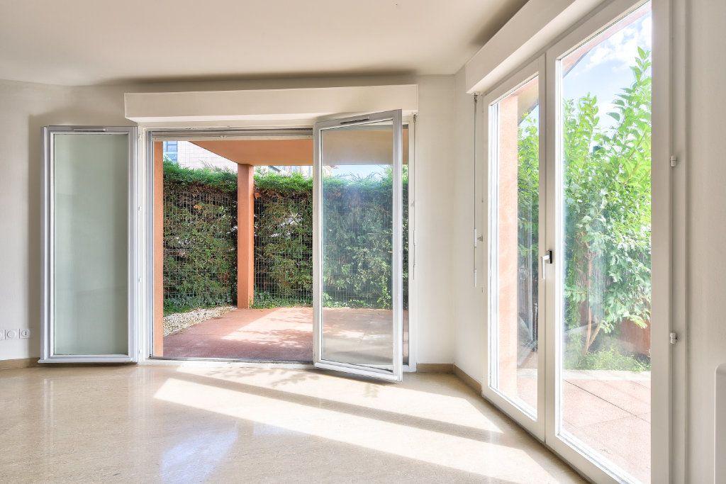 Appartement à vendre 4 108m2 à Dardilly vignette-2