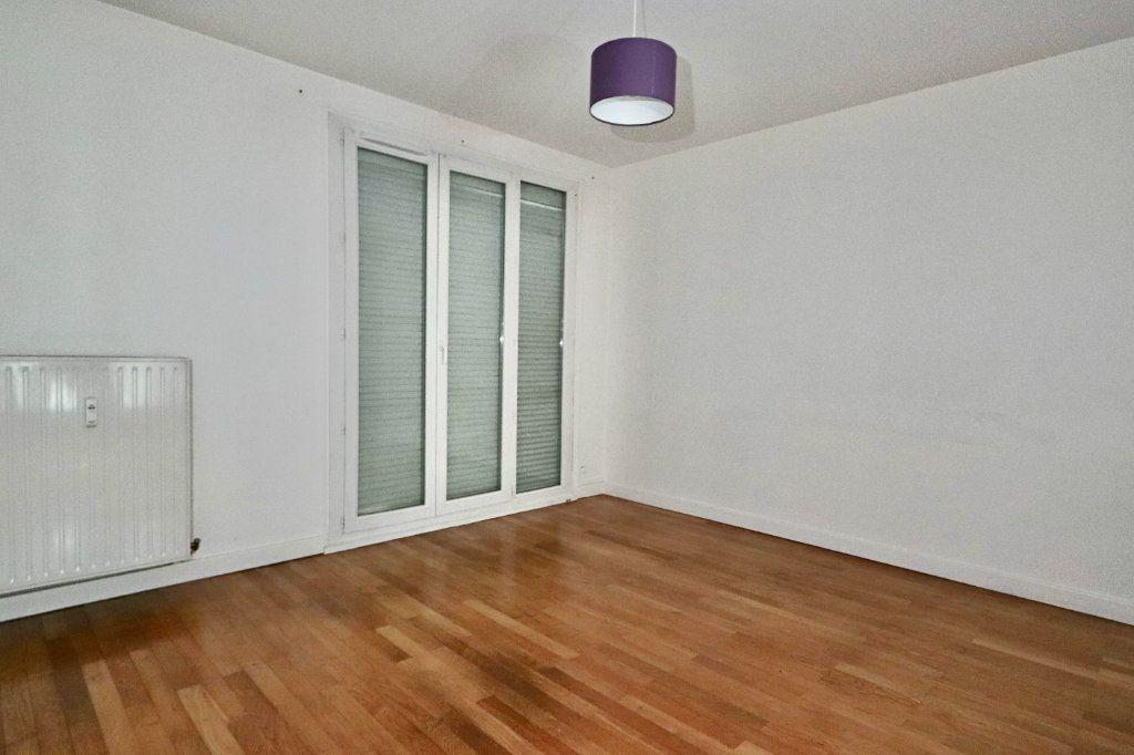 Appartement à louer 2 52.09m2 à Tassin-la-Demi-Lune vignette-1