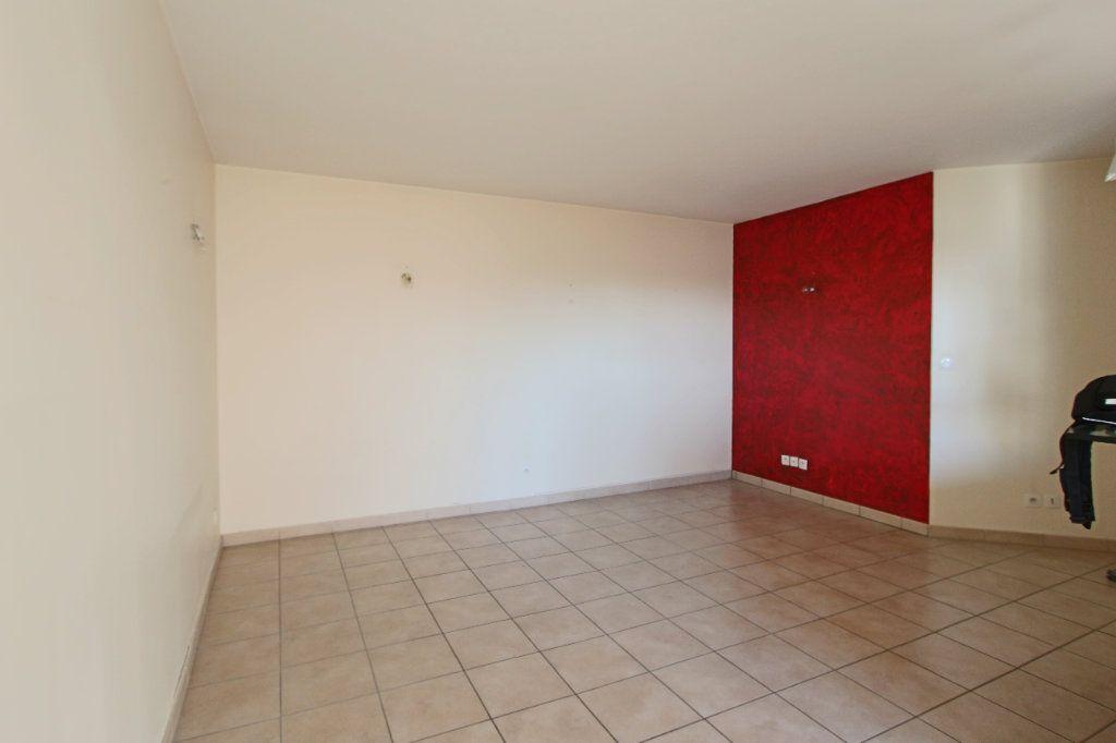Appartement à louer 3 63m2 à Écully vignette-2