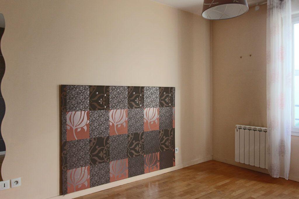 Appartement à louer 3 63m2 à Écully vignette-5