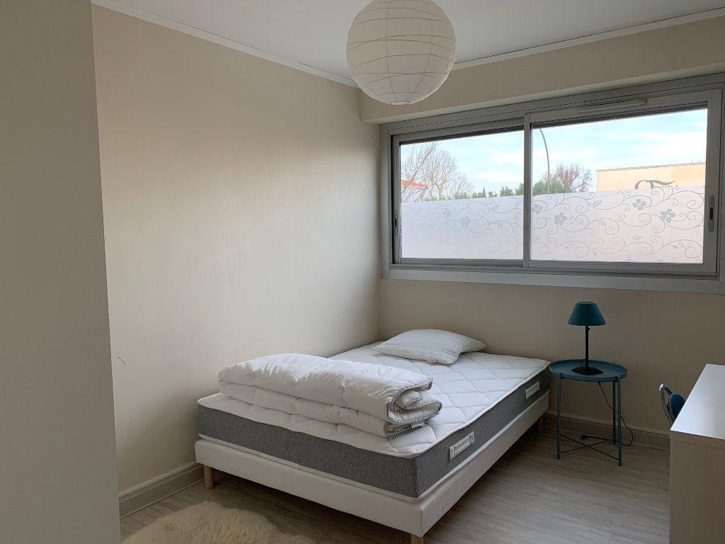 Appartement à louer 1 14m2 à Talence vignette-4