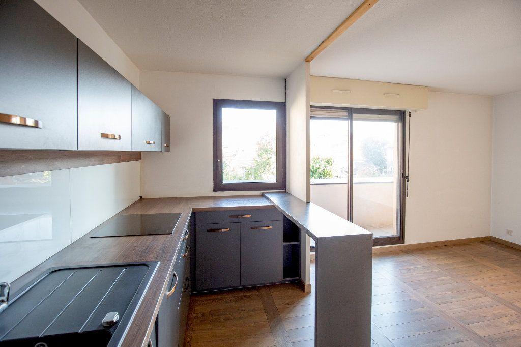 Appartement à vendre 3 69.73m2 à Bordeaux vignette-2