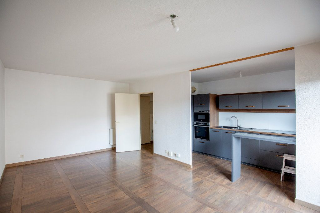 Appartement à vendre 3 69.73m2 à Bordeaux vignette-3