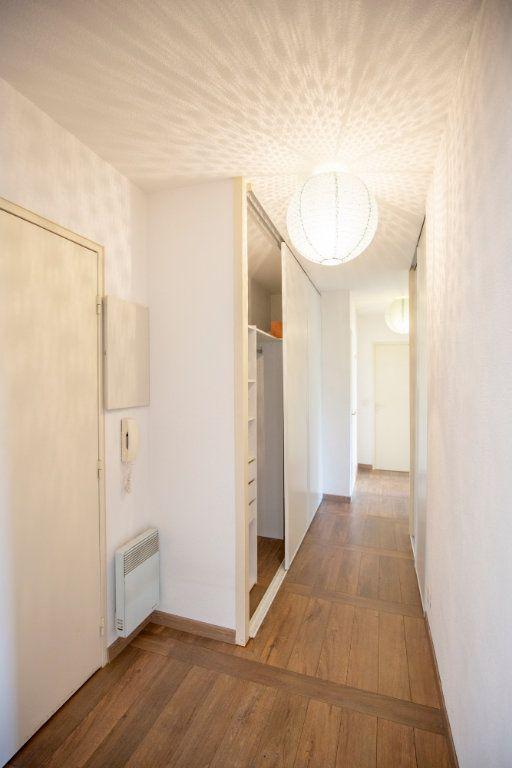 Appartement à vendre 3 69.73m2 à Bordeaux vignette-4