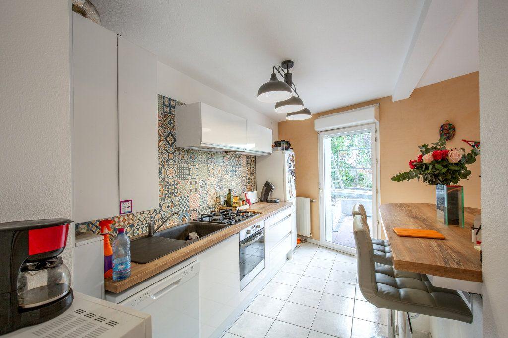 Appartement à vendre 4 90.56m2 à Bordeaux vignette-1