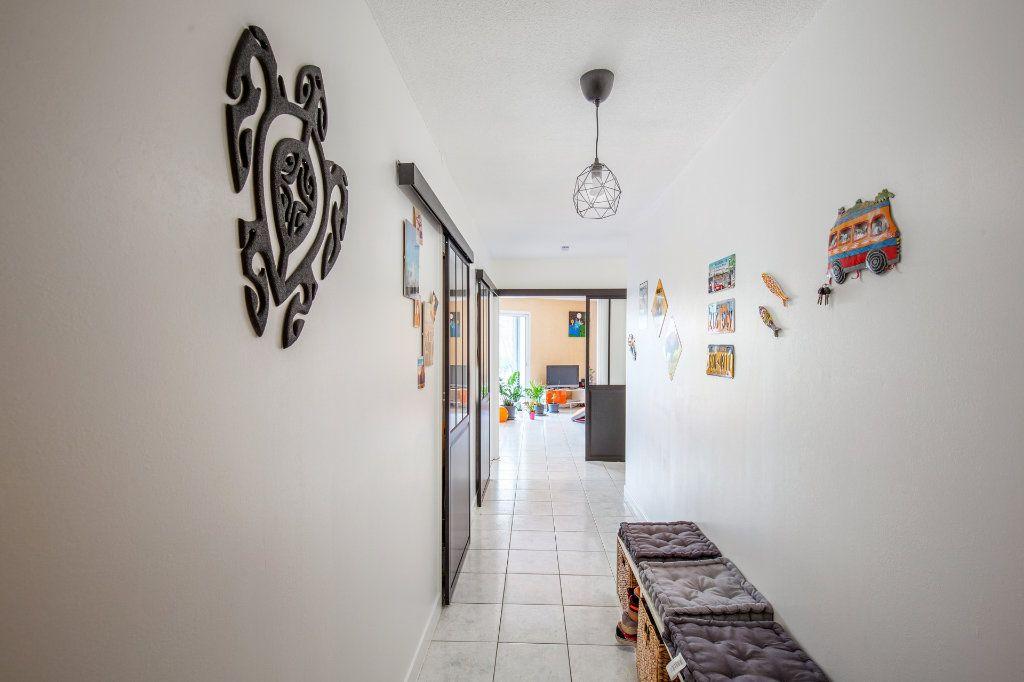 Appartement à vendre 4 90.56m2 à Bordeaux vignette-3