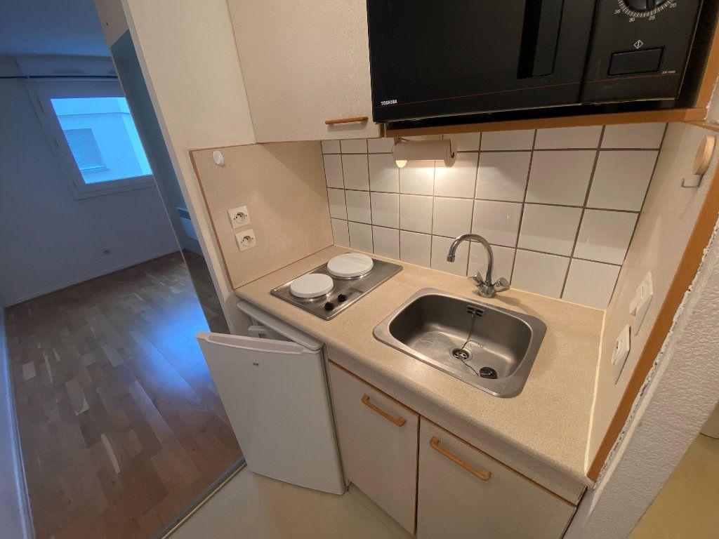 Appartement à louer 1 19m2 à Bordeaux vignette-3