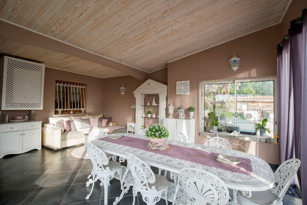 Maison à vendre 7 193m2 à Villenave-d'Ornon vignette-5