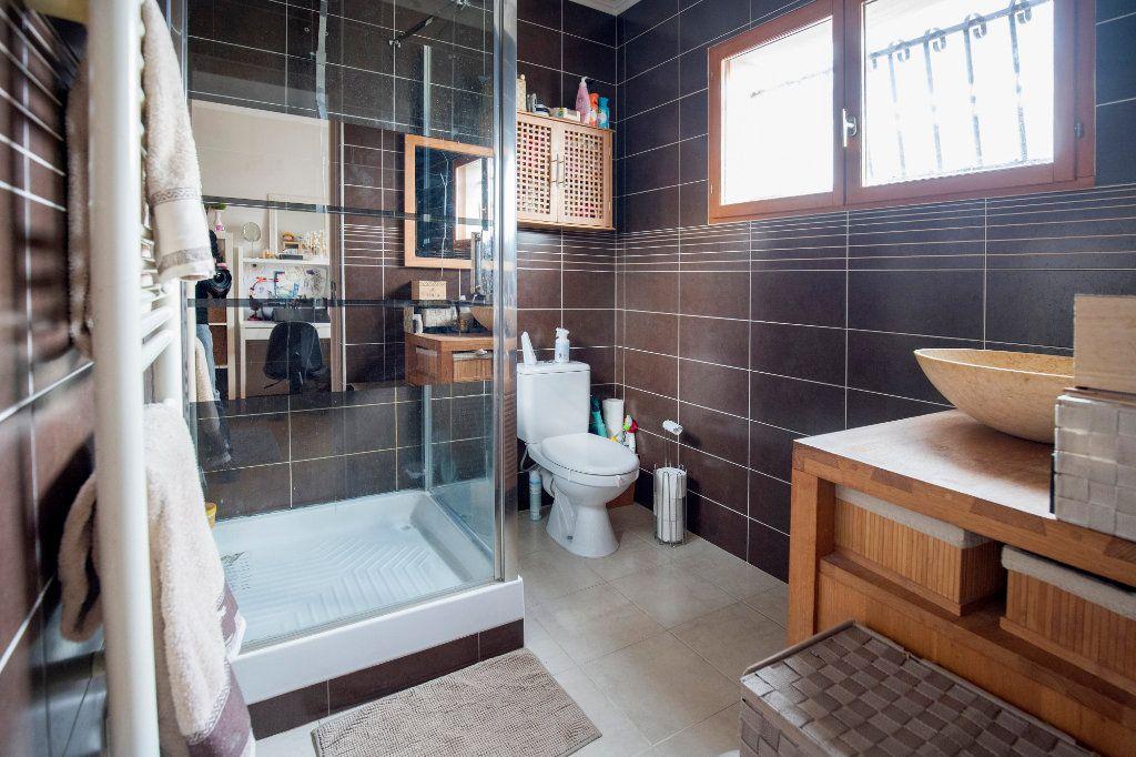 Maison à vendre 7 193m2 à Villenave-d'Ornon vignette-7