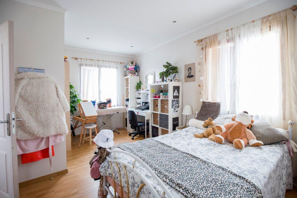 Maison à vendre 7 193m2 à Villenave-d'Ornon vignette-8