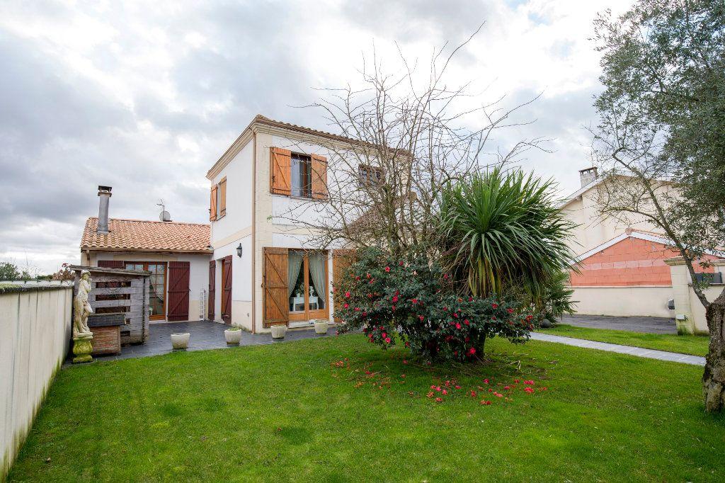 Maison à vendre 7 193m2 à Villenave-d'Ornon vignette-9