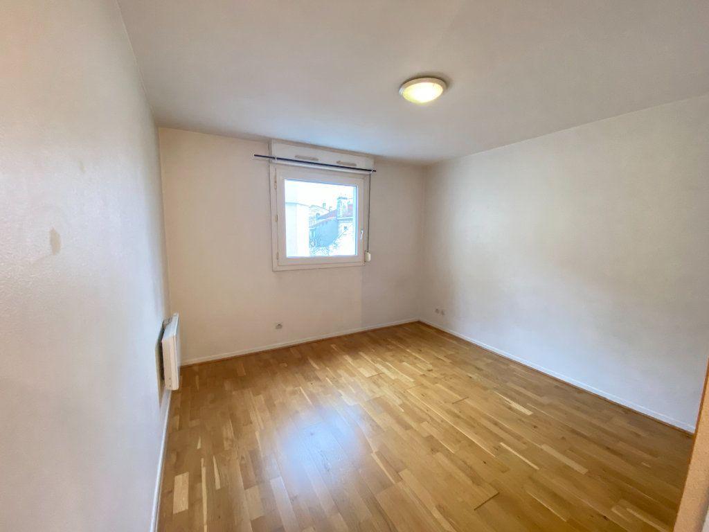 Appartement à louer 1 19m2 à Bordeaux vignette-1