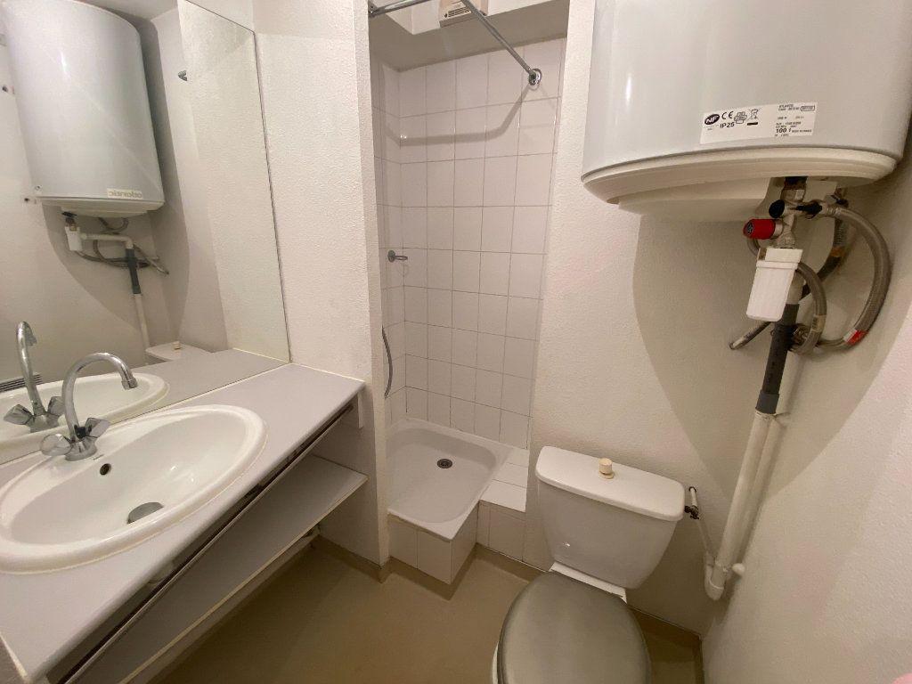 Appartement à louer 1 19m2 à Bordeaux vignette-4