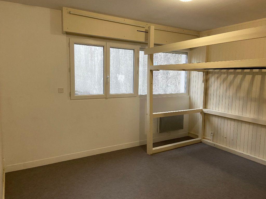 Appartement à louer 1 19.37m2 à Bordeaux vignette-1