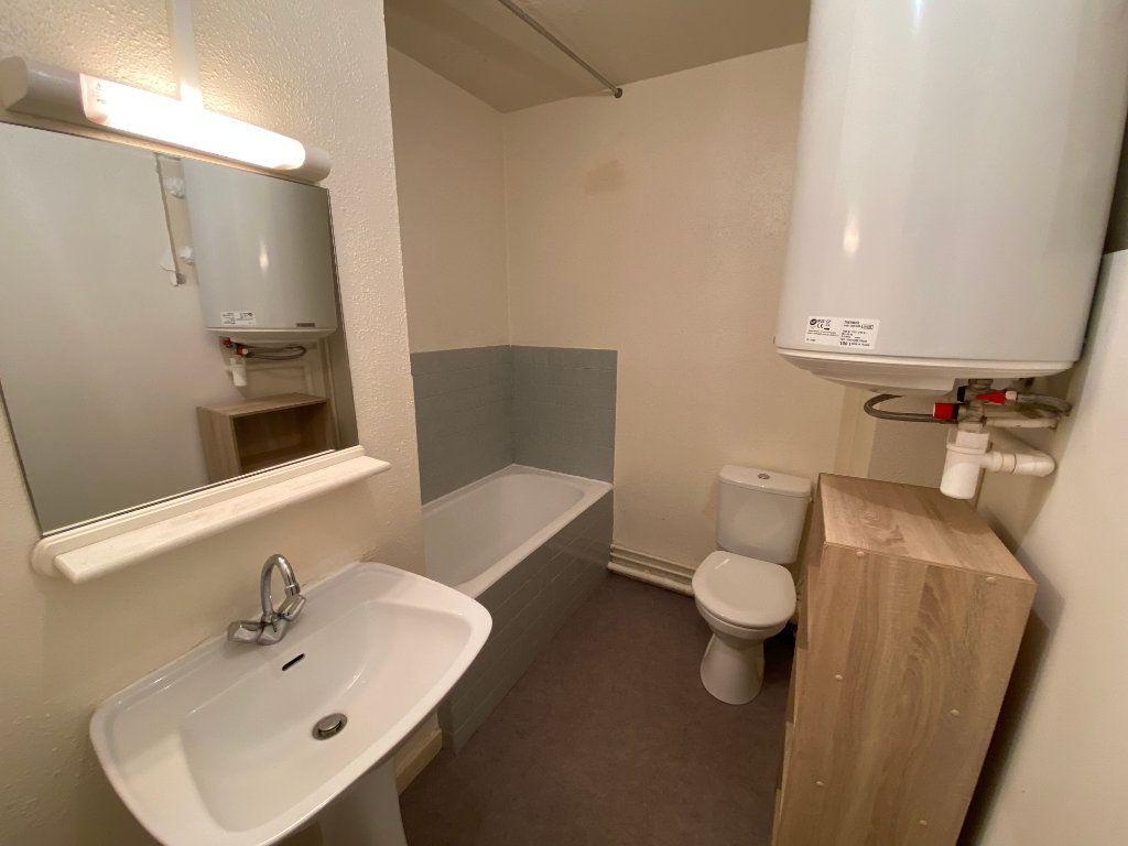 Appartement à louer 1 19.37m2 à Bordeaux vignette-2