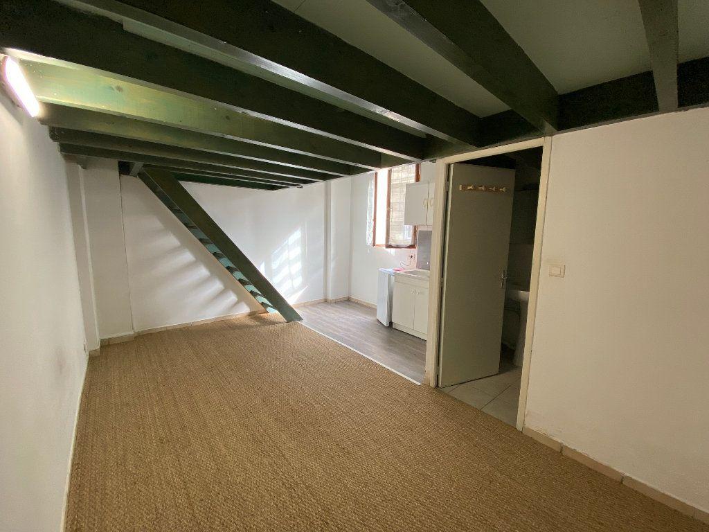 Appartement à louer 1 27m2 à Talence vignette-2
