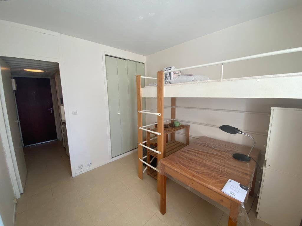 Appartement à louer 1 15m2 à Gradignan vignette-1
