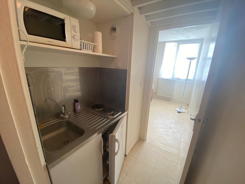 Appartement à louer 1 15m2 à Gradignan vignette-2