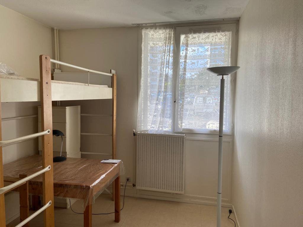 Appartement à louer 1 15m2 à Gradignan vignette-3