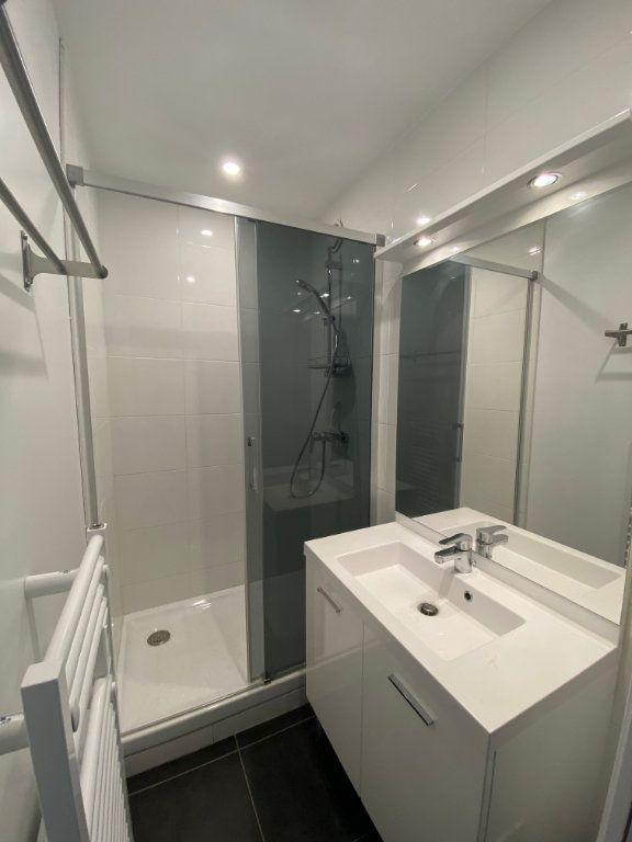 Appartement à louer 2 37m2 à Bordeaux vignette-5