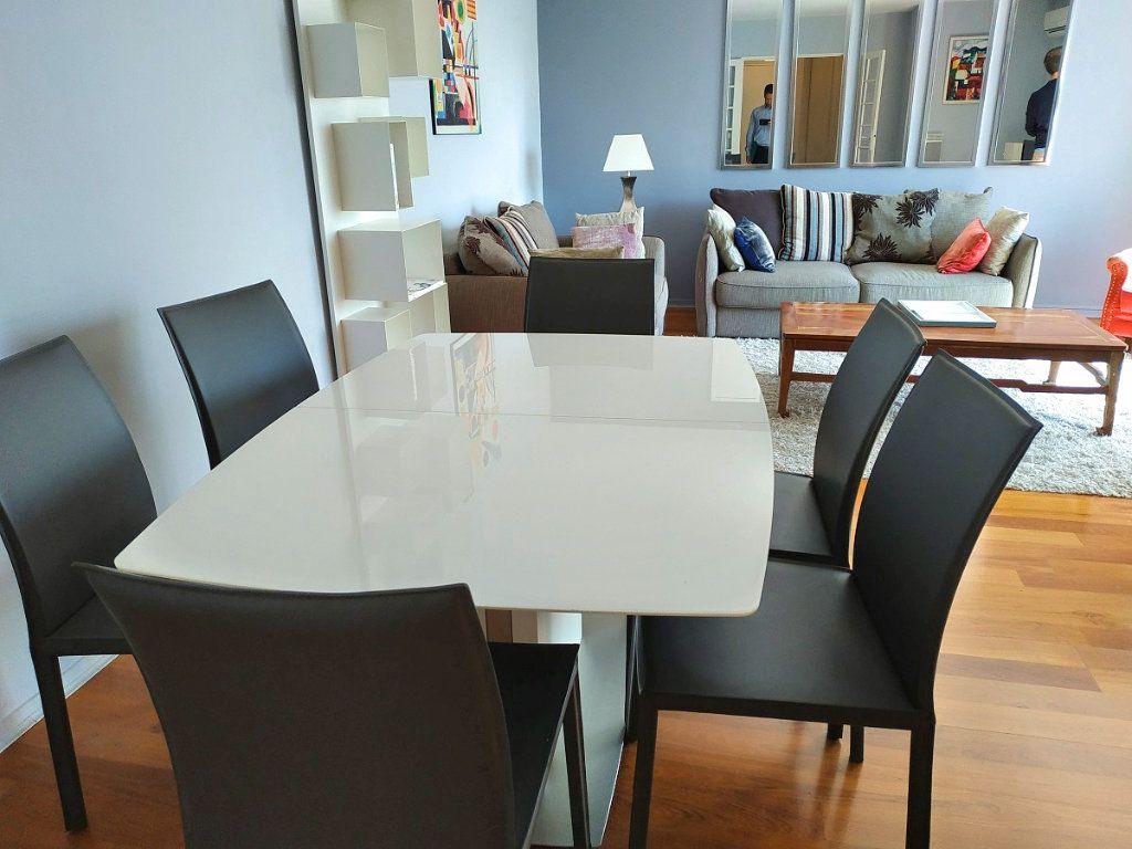Appartement à louer 4 88m2 à Bruges vignette-2