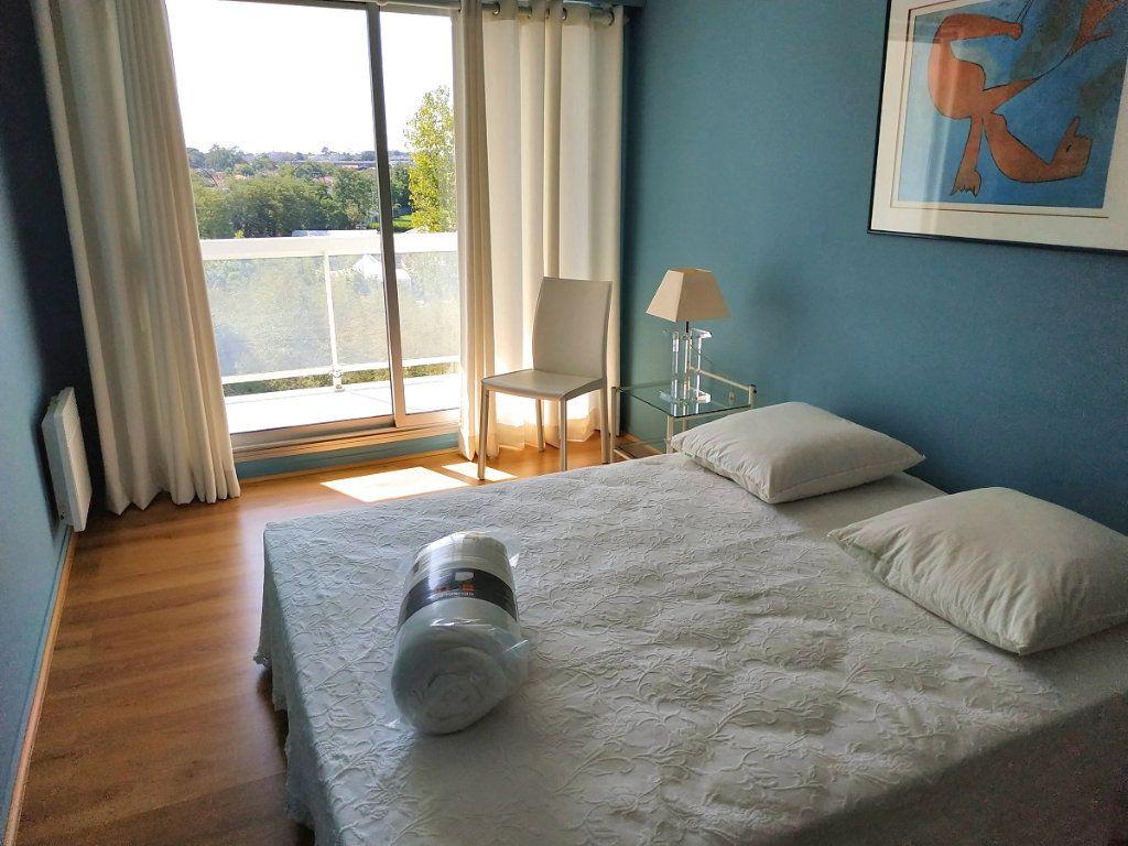 Appartement à louer 4 88m2 à Bruges vignette-3