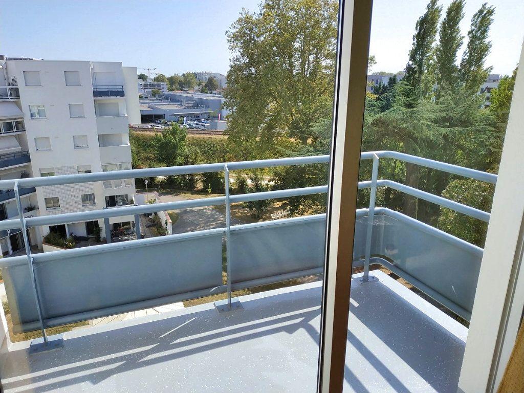 Appartement à louer 4 88m2 à Bruges vignette-4