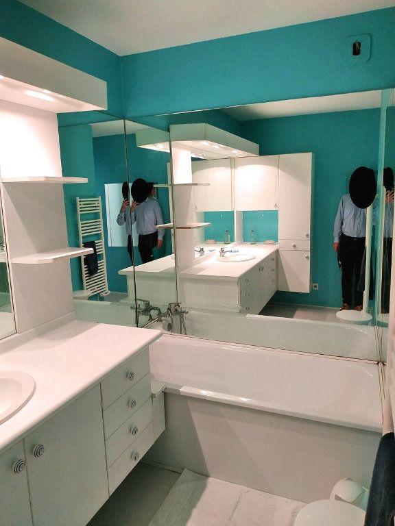 Appartement à louer 4 88m2 à Bruges vignette-5
