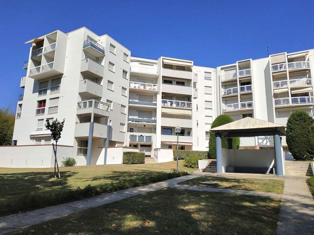 Appartement à louer 4 88m2 à Bruges vignette-6