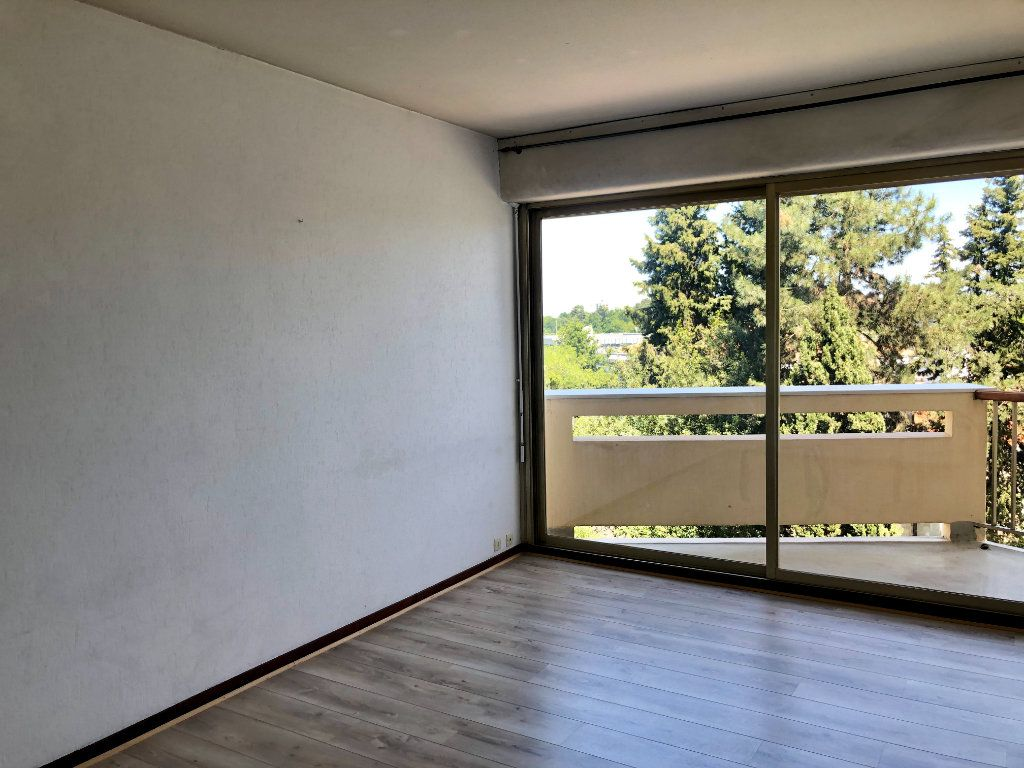 Appartement à louer 1 24m2 à Gradignan vignette-1