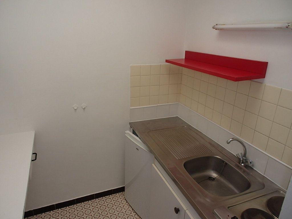 Appartement à louer 1 24m2 à Gradignan vignette-2