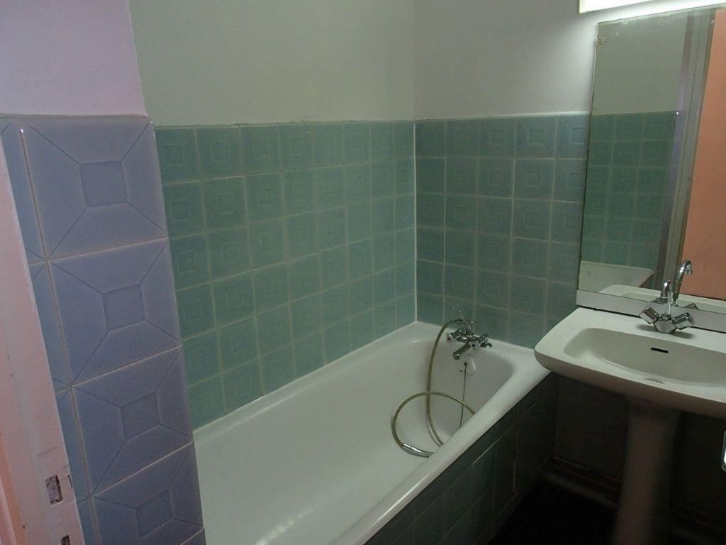 Appartement à louer 1 24m2 à Gradignan vignette-3