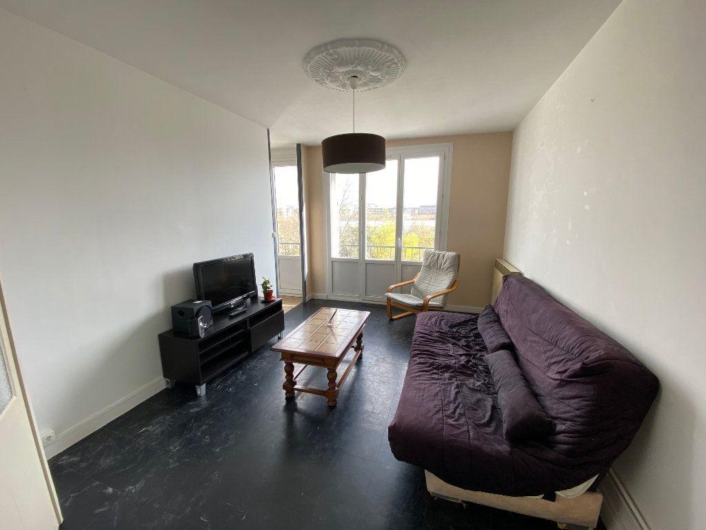 Appartement à louer 4 67m2 à Bordeaux vignette-1