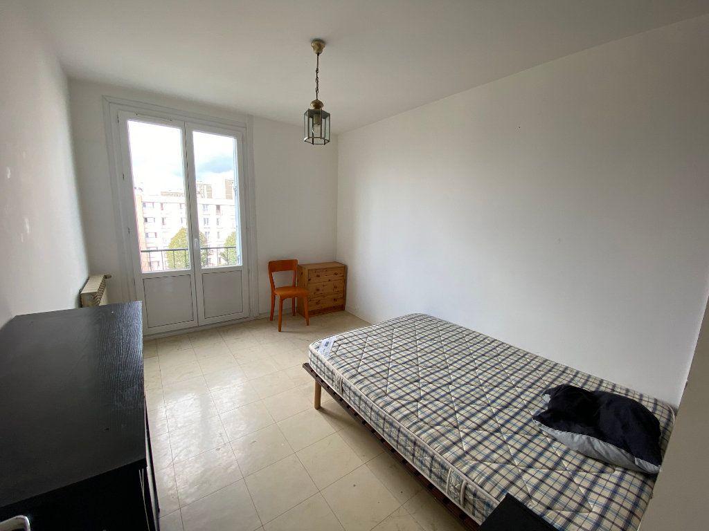 Appartement à louer 4 67m2 à Bordeaux vignette-3