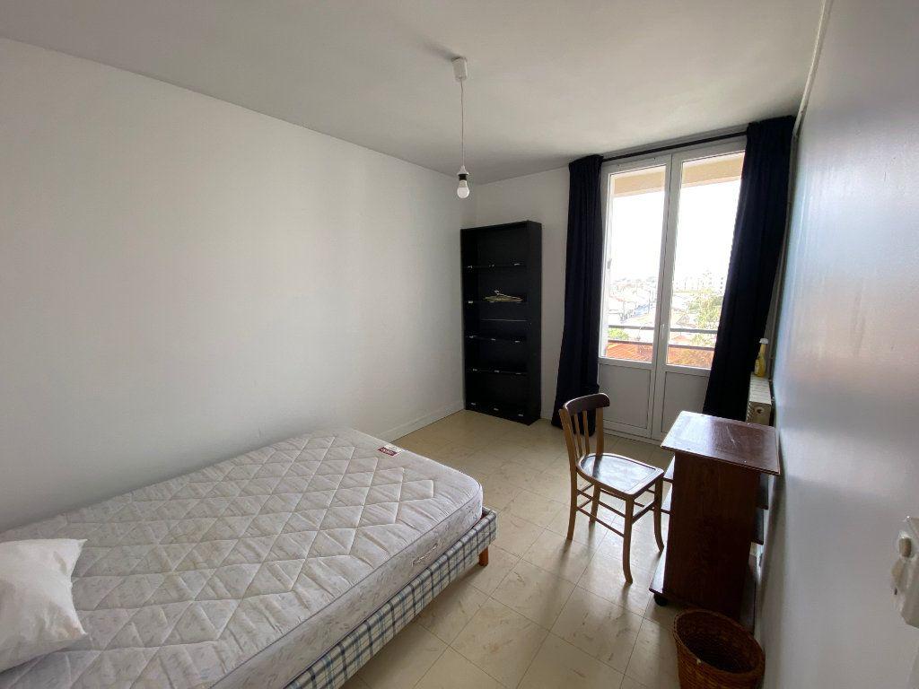 Appartement à louer 4 67m2 à Bordeaux vignette-4